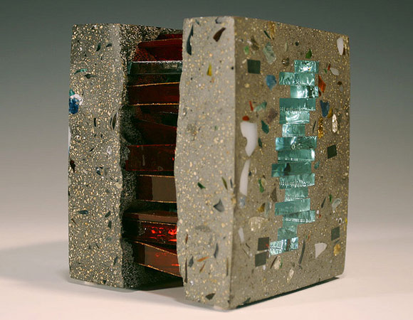 Скульптуры из бетона и стекла: Баланс прочности и хрупкости