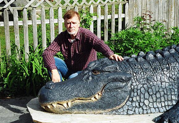 Скульптура крокодила из бетона