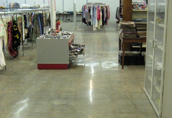Полировка бетонного пола: Кто отвечает за качество?