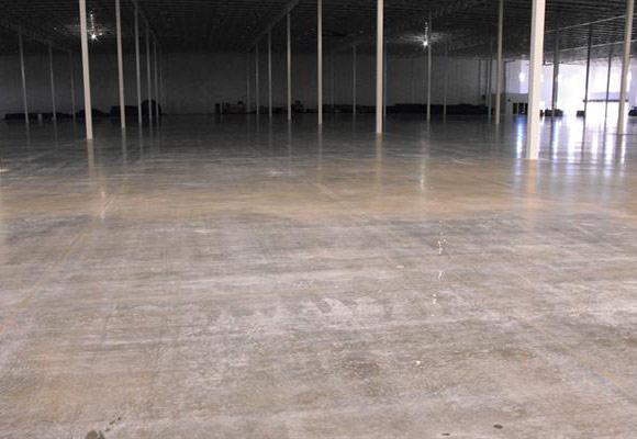 Восстановление бетонного пола в складском помещении компании Uline