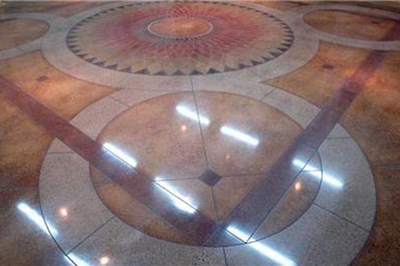 Декоративный бетонный пол в офисно-производственном здании