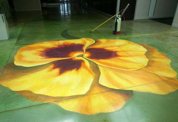 Декоративный бетонный пол в офисном помещении