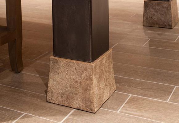 Стол из бетона, имитирущий дерево