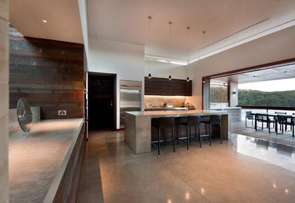 Полированный бетон в частном доме