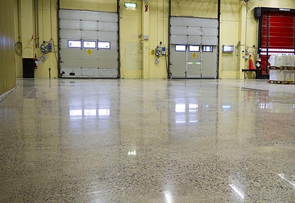 Полированный бетонный пол на заводе Fitesa