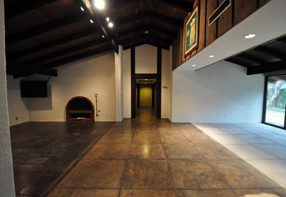 Полированный бетонный пол в частном доме