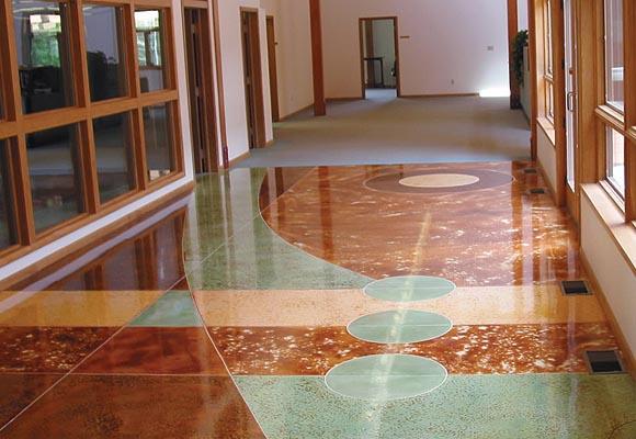 Шлифовка и полировка бетонного пола вдоль стен