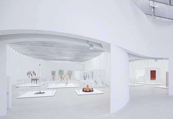 Полированный бетонный пол в музее стекла Corning Museum of Glass