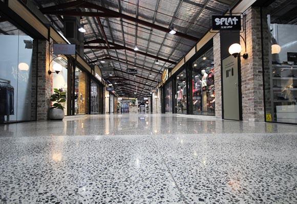 Полированный бетон в торговом центре