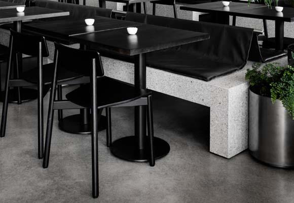 Мебель из бетона и терраццо в кафе
